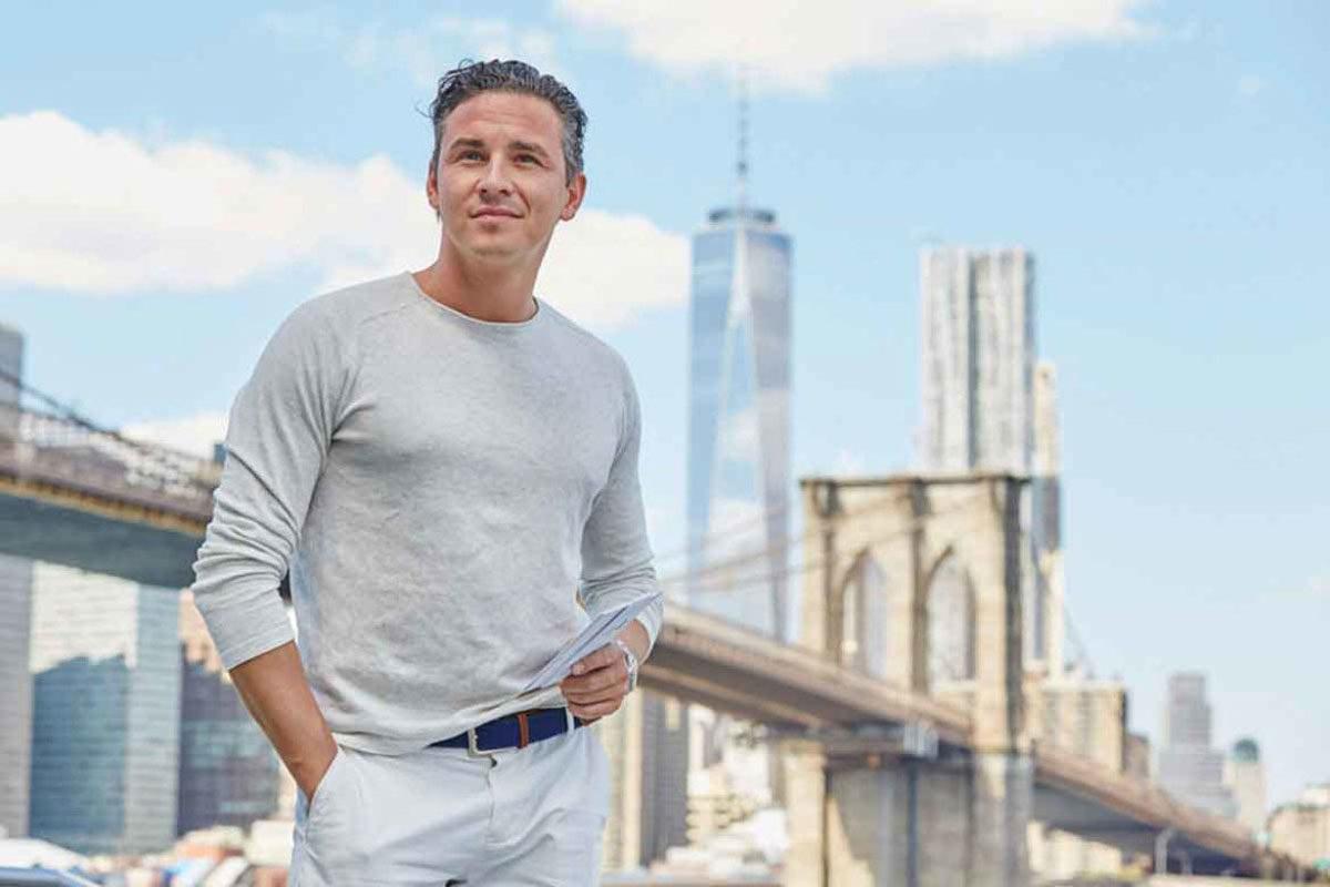 Oliver vor der NewYorker Skyline