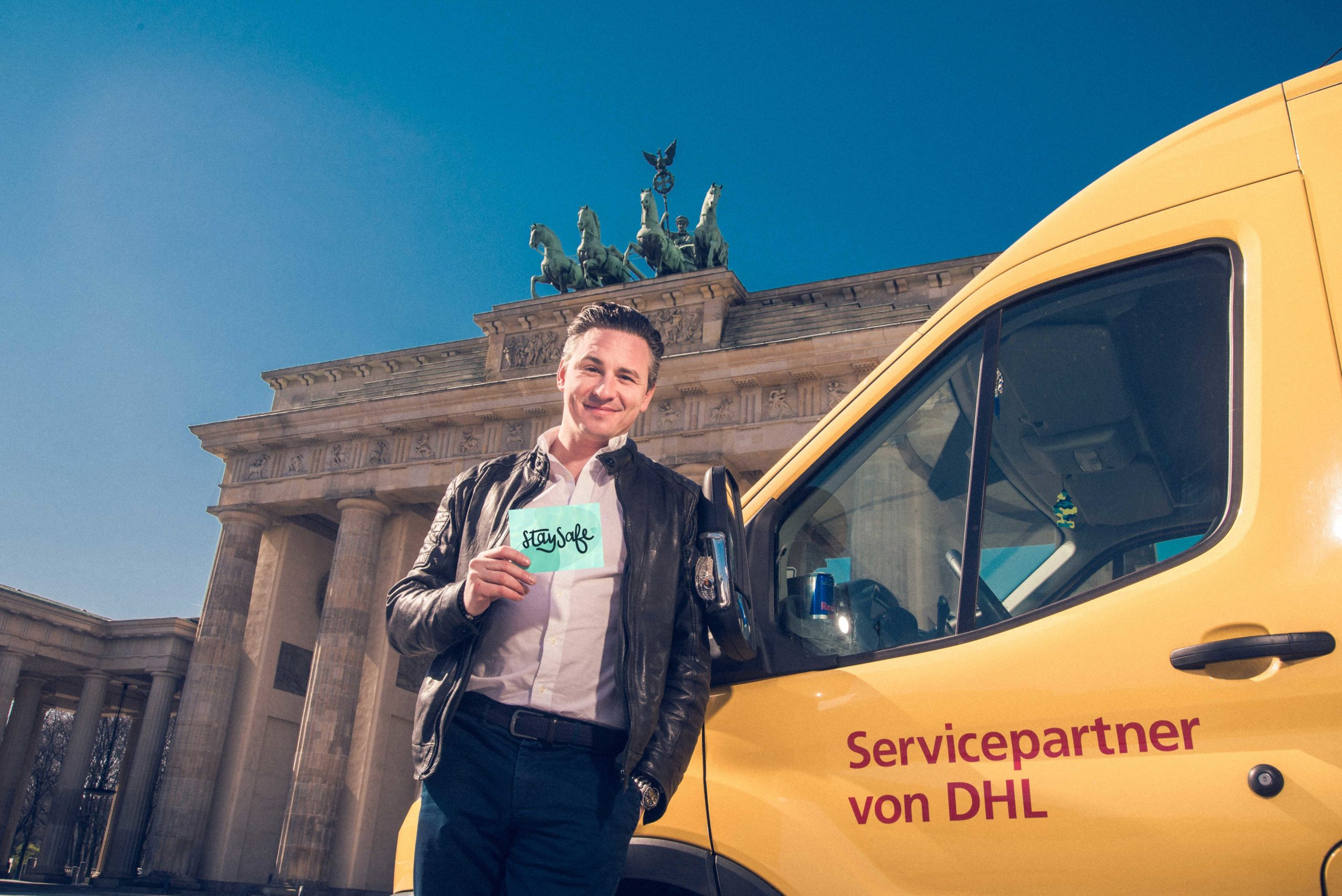 Oliver Kray Brandenburger Tor  Postauto Postkarte